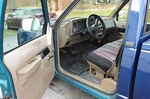 1993 Chevy Cheyenne W  T 1500  2 Door Pickup  Lightly