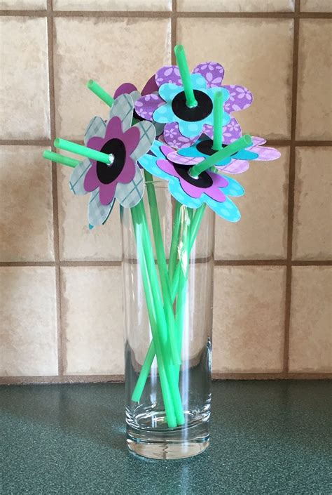 straw flowers fun family crafts