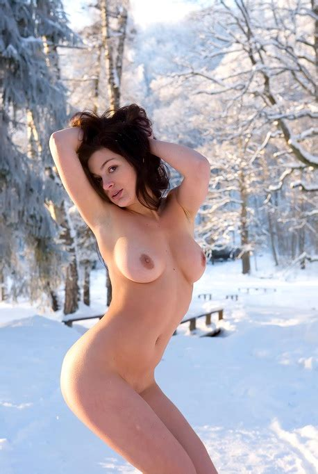 Naked Big Boobs Girl Elina In The Snow And Arousing With