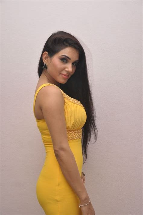Kavya Singh Spicy Gallery Photo 8 Of 76