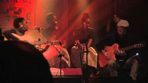 Lauryn Hill // Live Acoustic Performance - YouTube