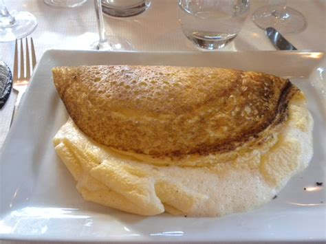 omelette mont michel la mere poulard mont michel restaurant reviews phone number photos tripadvisor
