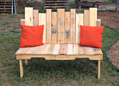 how to build a bench how to pallet wood bench upcycled