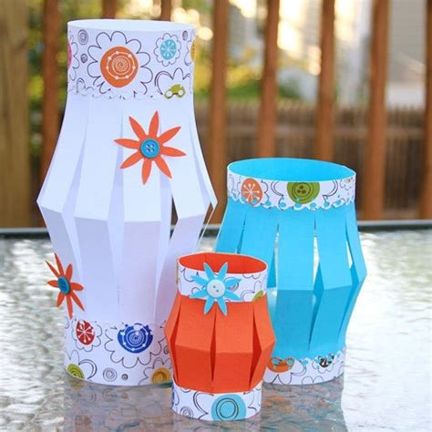 diy paper lanterns  outdoor christmas decoration