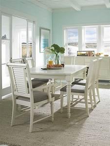 Broyhill Furniture Seabrooke 7 Piece Turned Leg Dining