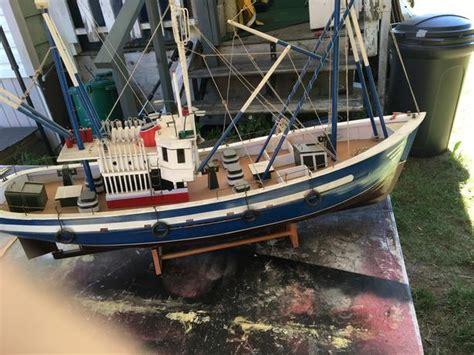 wood fishing boat pric drop   nanoose bay