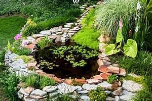 Kleiner Teich Im Garten : nat rlich sch ner kleiner teich im garten garten pinterest kleine teiche teiche und g rten ~ Markanthonyermac.com Haus und Dekorationen