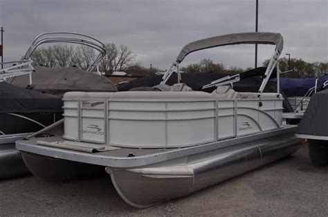 Bennington Pontoon Boats Mn by Bennington New And Used Boats For Sale In Minnesota