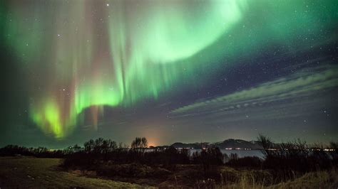 finland northern lights why you need to visit finland in 2017
