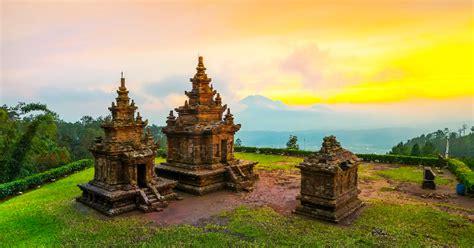 candi  indonesia terindah  bersejarah ayo