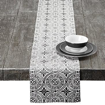 Z Gallerie   Taza Runner   Grey