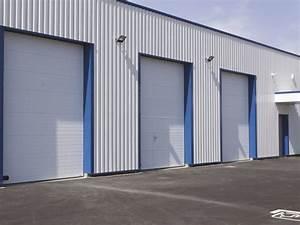 Les portes sectionnelles en acier de la toulousaine for Porte de garage enroulable et pose vitre porte interieure