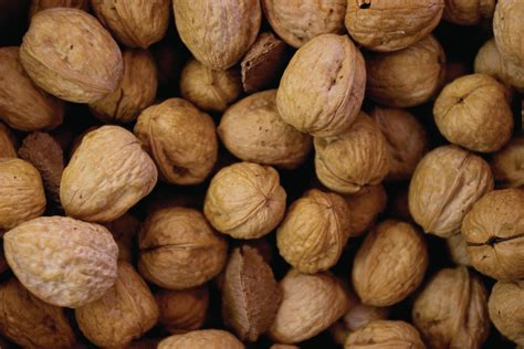 toasting walnuts 3 ways to toast walnuts pecans and other nuts farm flavor