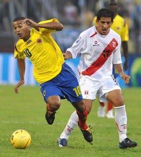 Miguel trauco fue expulsado antes del descanso del perú vs. Ver Colombia vs Perú en VIVO - Amistoso Internacional ...