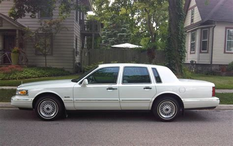 Town Car by 1997 Lincoln Town Car Information And Photos Zomb Drive