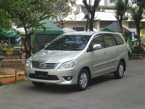 Toyota Kijang Innova G 2009 toyota innova 2 5 2009 auto images and specification