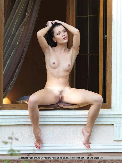 Euro Babes DB » Naked Woman With Toenail polish