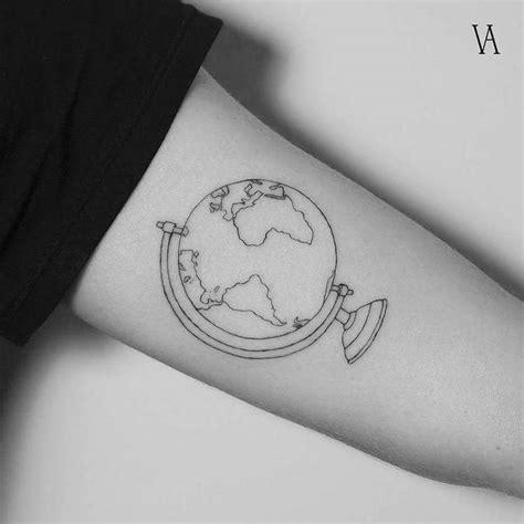 1001+ Idées  Tatouage Terre  Le Monde Sur Les épaules