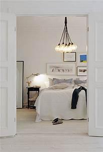 Lampe Chambre Adulte : blanche la chambre zen pour adulte avec luminaire industriel ~ Teatrodelosmanantiales.com Idées de Décoration