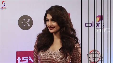H0t Ragini Khanna At Television Style Awards Shows Her