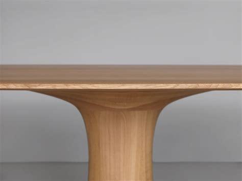 TURNTABLE tavolo ovale in legno   Zeitraum design nordico