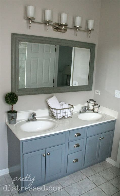 Painting Ideas For Small Bathrooms by 17 Best Ideas About Bathroom Vanity Makeover On