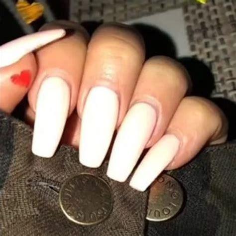 Khloe Kardashians Nail Polish Nail Art Steal Her Style ...