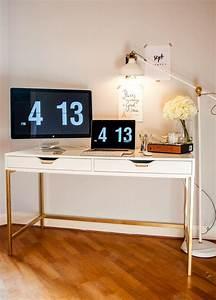 Ikea Schreibtisch Hack : 6 ikea hacks using gold spray paint apartment inspo ~ Watch28wear.com Haus und Dekorationen