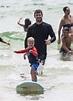 Chris Hemsworth teaches his son Sasha how to surf | Daily ...
