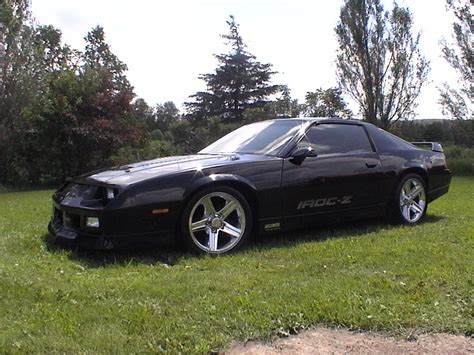 And Black Camaro by Black Iroc Z On 18 Quot Chrome Iroc Wheels Third Generation F