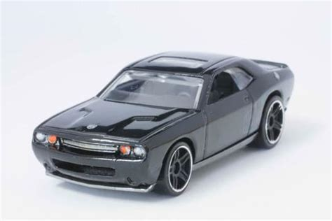 hot wheels  dodge challenger srt modelmatic