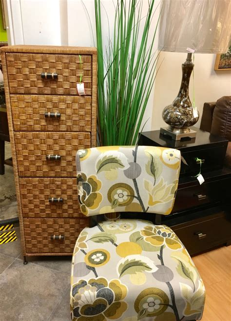 Upholstery Louisville Ky by Eyedia Shop Eyedia Shop Consignment Furniture