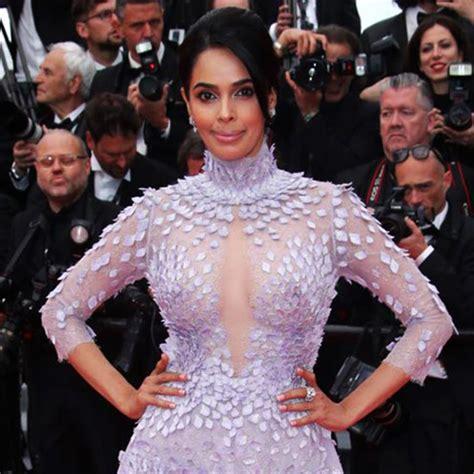 Bollywood Sex Symbol Mallika Sherawat Nude Nipples Through