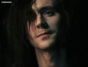 Tom Hiddleston Adam GIF - Find & Share on GIPHY