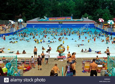 water country wave pool at busch gardens williamsburg