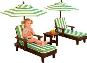 Kidkraft Outdoor Lounge Chair by Kidkraft Outdoor Chaise Lounge Chairs And Umbrella Set