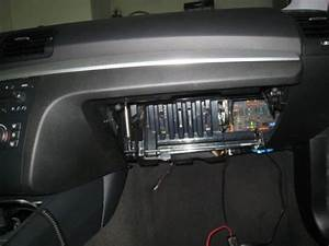 Location Further Bmw Glove Box On 3 Series Fuse 1