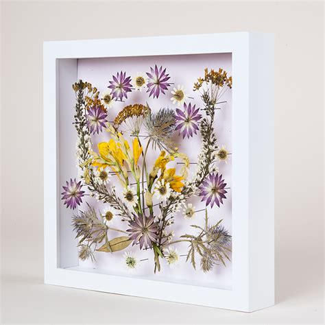 Pictures For Wall Decor by 9 Diy Dried And Pressed Flower Home Decorations Shelterness