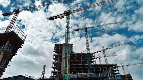 indice nacional da construcao civil varia  em agosto