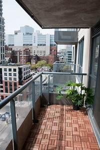 Ikea Balkon Holzfliesen : holzfliesen f r den balkon ausw hlen welche holzarten ~ Michelbontemps.com Haus und Dekorationen