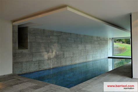 bureau de salon piscine le plafond tendu barrisol dans votre piscine