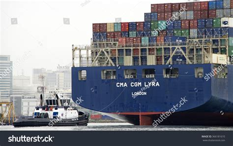Tugboat Sheila by Oakland Ca January 20 2016 Tugboat Stock Photo 366181610
