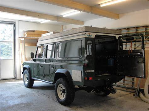 defender gebraucht kaufen land rover defender 110 innenausbau umbau reisefahrzeug expeditionsfahrzeug wohnmobil