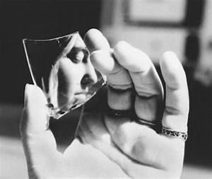 Broken Mirrors – Patesco