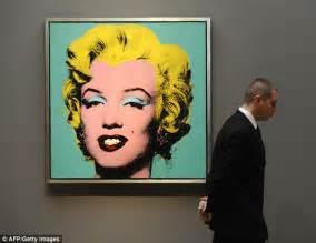 Make-up artist Ryan Kelly paints Andy Warhol's Marilyn ...