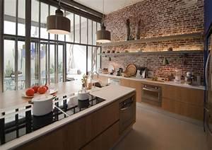 cuisine en brique rouge et verriere maison de reve With cuisine avec brique rouge