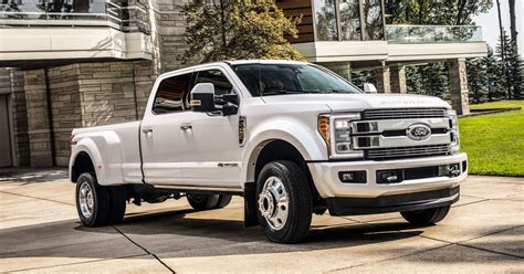 Ford Bets There's A Market For Its 0,000 F-450 Pickup