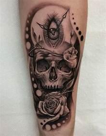 Skull and Roses Tattoo Design