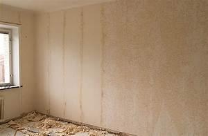 Jak odstranit lepidlo mamut ze zdi
