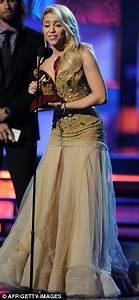 Latin Grammy Awards 2011: Shakira and Sofia Vergara don ...